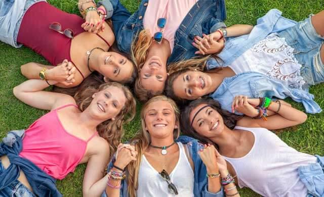 US-teen-girls